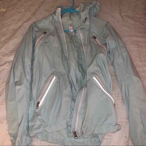 Lululemon women's Raincoat